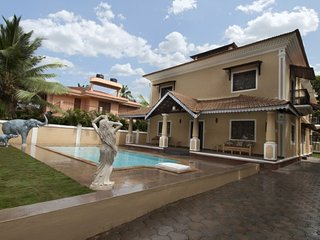 7-BR pool villa for groups