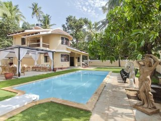 Attractive 3-bedroom pool villa for a group, 500 m from Calangute Beach