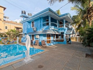 Cheerful pool villa for a fun family vacation, 200 m from Calangute Beach