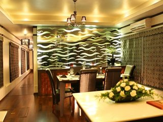 Contemporary 3-bedroom houseboat for a family, Alappuzha