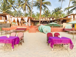 Beachfront hut on Palolem beach, ideal for a romantic getaway