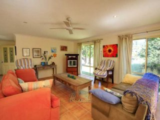 CASA BELLA  - PET FRIENDLY  1/9 Boomerang Drive Boomerang Beach