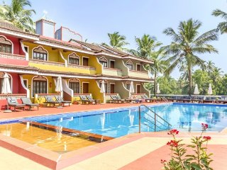 Elegant room with a lovely pool, 700 m from Colva Beach