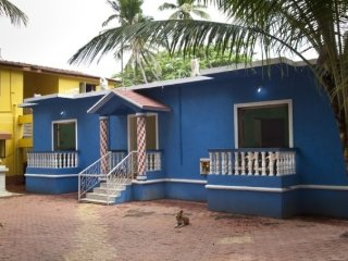 Portuguese-style one-bedroom accommodation, 200 m from Calangute beach