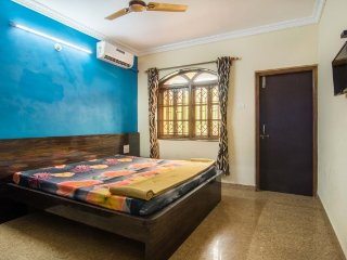 Commodious room for 2, 100 m from Calangute Beach