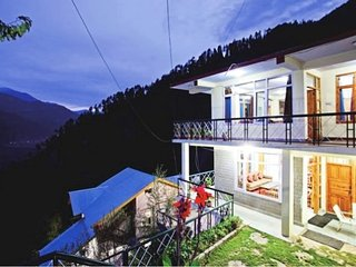 3 BHK tranquil cottage, ideal for large groups