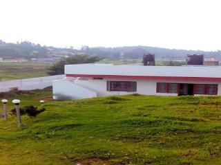 Suburban stay ideal for solo travellers, close to Ooty Lake