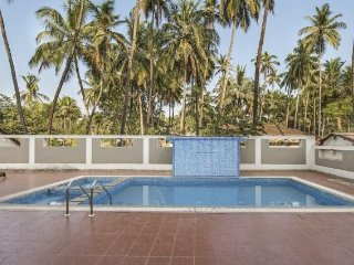 Commodious 2 BHK apartment with a pool, 1.6 km from Calangute beach
