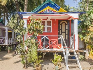 Commodious beachside cottage, perfect for backpackers