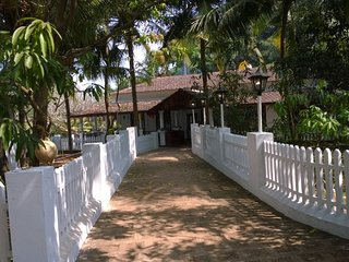 Riverside 4BHK heritage villa, ideal for a large group getaway