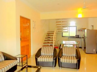 3-bedroom apartment with a pool, 2.2 km from St. Anthony's Church