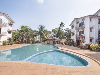 Well-furnished 2-bedroom apartment with a pool, 1.3 km from Calangute Beach