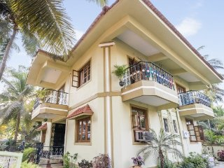 Homely abode for three, 800 m from Calangute Beach