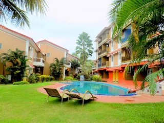 Restful 2-BR abode for a family, 1 km from Candolim Beach