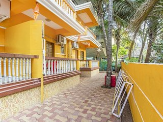 Well-appointed family room, less than 2 km from Calangute Beach