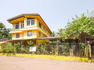 Modish accommodation 1.4 km from Calangute beach