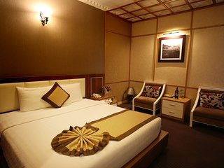 Deluxe Room at 3-star hotel in Hai Ba Trung District