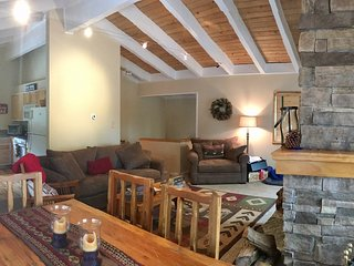 NEW! Incline Village Cozy Cabin! Located in Incline Village, the Jewel of Tahoe!