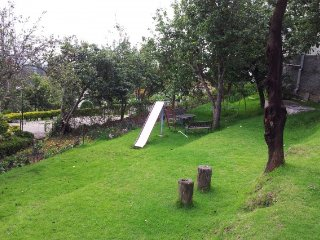 Relaxing retreat for four, 950 m from Kodaikanal Lake