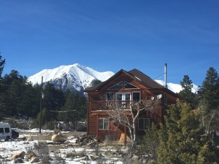 Open Mtn home between river and ski area-Great views and only 10 min to Salida