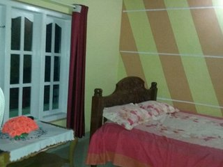 2-bedroom homestay with cosy bedroom, 700 m from Shiva Temple