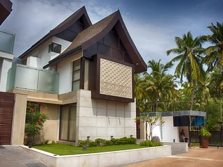 Contemporary 4 Bedroom Luxurious Villa in North Goa