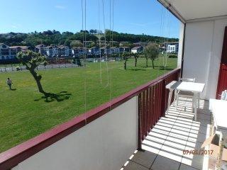 Appartement calme à moins de 200m de la plage de Socoa, 3 chambres.