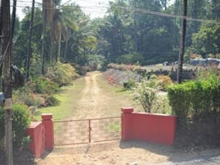 3-bedroom homestay with a beautiful garden
