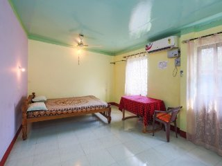 Single bedroom in a guest house, 750 m from Lourdes Chapel