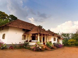 5-BR homestay for a large group, near Abbey Waterfalls
