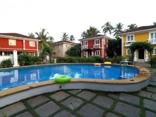 3-bedroom Mediterranean villa with quaint balconies, close to Calangute beach