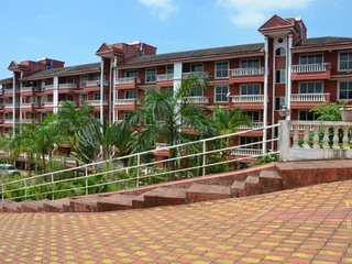 Contemporary 2-Bhk apartment with a beautiful garden, close to Palolem Beach
