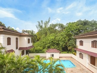 Opulent 4-bedroom pool villa, close to Baga beach