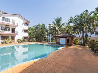 Contemporary 2-BR stay, 1.8 km from Baga Beach