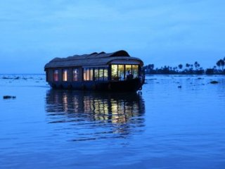 Well-appointed houseboat for large groups