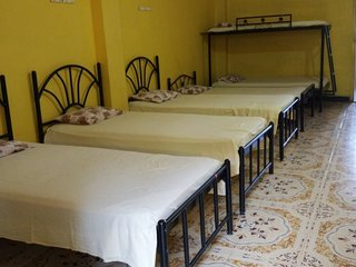 Spacious accommodation for a group stay, close to Mandovi River