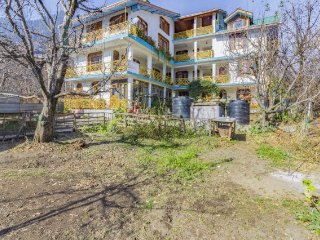 Homely 2-bedded room for six, 1.5 km from  Hadimba Devi Temple