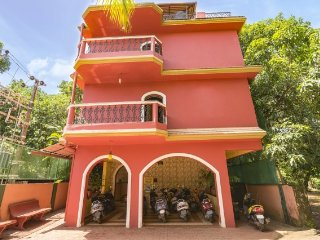 Spacious room for three, 3.1 km from Calangute beach