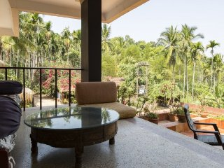 3-bedded room in a vibrant home, with a pristine view