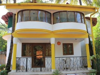 Well-appointed stay, 900 m from Anjuna beach