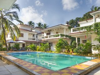 Lavish 4-BHK pet-friendly pool villa, in proximity to Baga and Calangute Beach