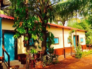Peaceful retreat ideal for bagpackers, 2 km from Calangute Beach
