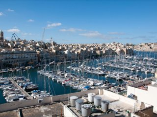 Traditional 3 Bedroom Town House, Vittoriosa