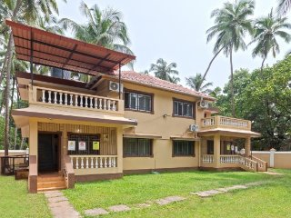 A peaceful 2BHK stay perfect for a family, 1 km from the Calangute beach
