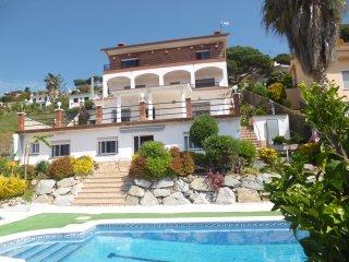 Casa con piscina a 3km de la Playa de Sant Pol de Mar en la Costa del Mareseme