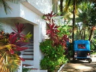 Comfortable stay for backpackers, 1.5 km from Sunset beach