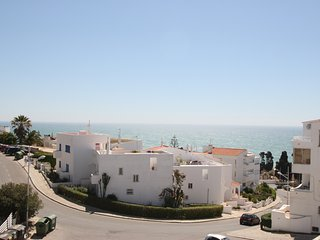 2 Bedroom Apartment with Sea Views in central position close to town, Albufeira