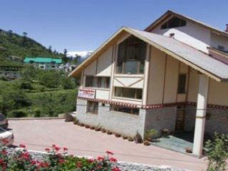 Idyllic stay with a picturesque view near Mall Road