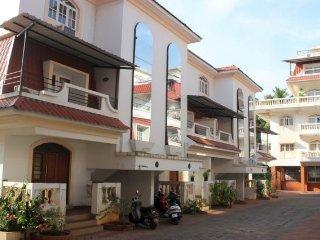Well-furnished 3-bedroom villa, 1 km from Colva beach