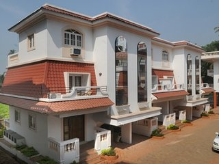 Well-appointed 3-bedroom villa, close to popular beaches